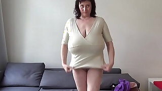 Euro MILF playing with macromastia hanging breasts