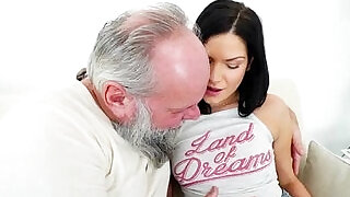 Euro Annie Wolf enjoys being licked by a grandpa n suck cock