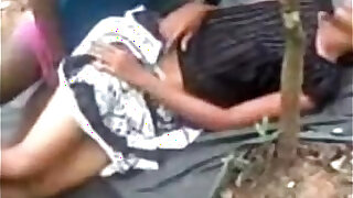 Indian Young Couple Dating N Fucking College immature in Public Park Wowmoyback