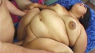 This Latina may be large but shes still super fle